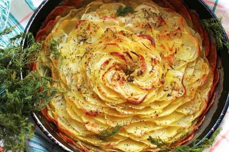 На гарнир картофельные лепестки