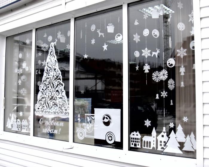 Новогодние украшения для витрины