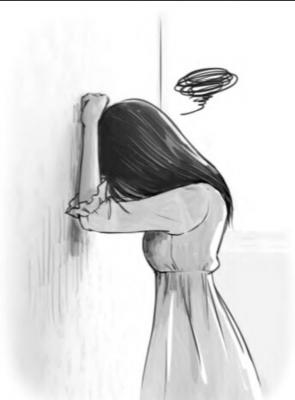девушка у стены