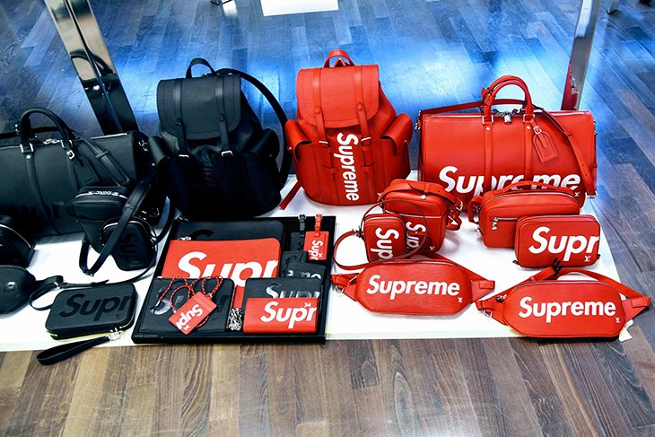 Коллаборация louis-vuitton-supreme